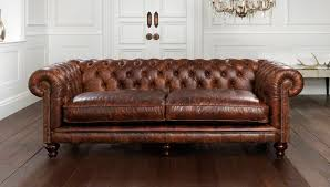 canap chesterfield cuir vintage canapé de style chesterfield en cuir 2 places marron hampton
