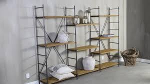 estantes y baldas estanter祗as de estilo industrial un loft de ny westwing