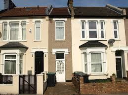 north london terrace just 7ft wide on sale for 235 000 daily