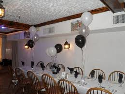 black white and silver decorations for a guidepecheaveyron