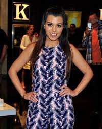 kourtney kardashian totally made out with latina u0027orange is the