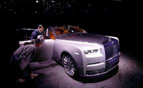 rolls royce project cullinan rolls royce reveals its new phantom what about an electric rolls