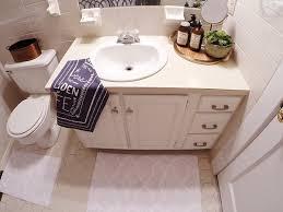 Diy Bathroom Vanity Makeover by Lmb Rental Bathroom Makeover Pt 2 Painted Vanity Liz Marie Blog