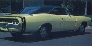 1968 dodge charger green 1968 dodge charger r t hemi a car profile howstuffworks