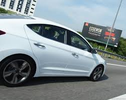 hyundai elantra white hyundai u0027s all new elantra test drive review u2013 drive safe and fast