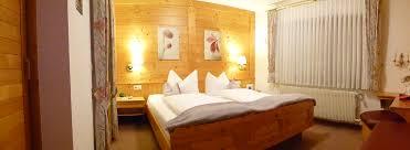 Schlafzimmer Orange Schlafzimmer Und Dusche Privatzimmervermietung Familie Bäuml