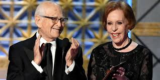 norman lear and carol burnett get standing ovation at 2017 emmys
