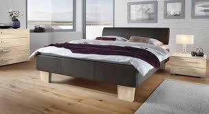 Schlafzimmer Gestalten Fliederfarbe Schlafzimmer Gestalten Violett Speyeder Net U003d Verschiedene Ideen