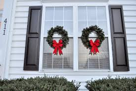 Wreaths For Windows Can I Use Command Strips On Outside Windows To Hang Wreaths