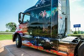 volvo trucks north america photo gallery patriotic designs from volvo mack for memorial day
