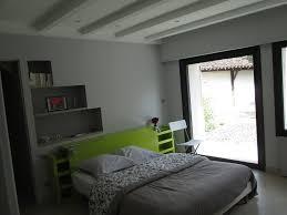 peindre les murs d une chambre rénovation d une chambre peinture murs mate velours gris tête