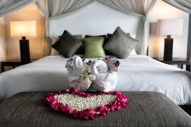 white honeymoon bedroom design bed fabulous white honeymoon bedroom design with