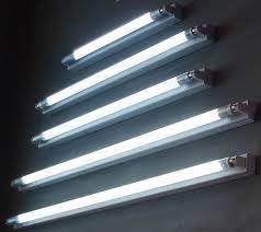 High Efficiency Fluorescent Light Fixtures Changing A Fluorescent Light Http Www Homediyfixes