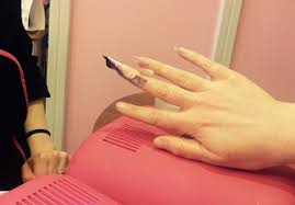 the claws are out we give nail extensions a try beaut ie