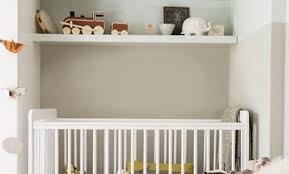 but chambre bébé décoration peinture chambre bebe mixte 92 reims fauteuil de