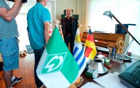 Wohnzimmer Bremen Jobs Werder Bremen Hausbesuch Bei Jürgen L Born News