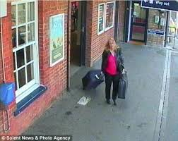 Avatar      mother goes missing after becoming obsessed with online  D     Daily Mail Last image  Miss Squires of Gosport  Hampshire  is captured on CCTV footage with