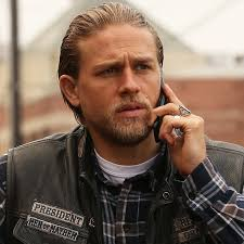 jax hair charlie hunnam as jax teller in sons of anarchy gifs popsugar