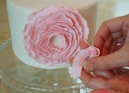 How To Make Plastic Icing Decorations Best 25 Fondant Flower Tutorial Ideas On Pinterest Fondant