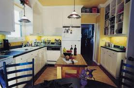 home decorating ideas for small kitchens decorating a small kitchen simple brilliant decorating ideas for