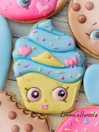 shopkins cookies how to make a shopkins cupcake cookie by emma u0027s