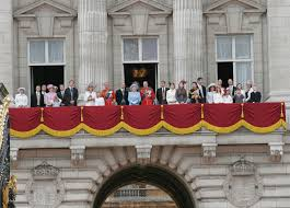 buckingham palace balcony shot by keithlarby on deviantart