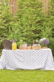 10 ways to serve drinks outdoors how to decorate