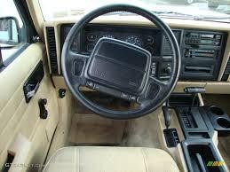 tan jeep cherokee 1996 jeep cherokee se 4wd tan steering wheel photo 43371201