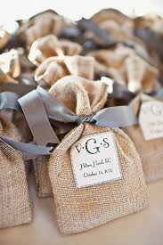 burlap wedding favor bags sort of what i in mind for the packaging for caramels but