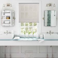 4 things to look for when buying bathroom window coverings