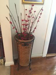 1985 longaberger umbrella basket with wrought iron stand it was a