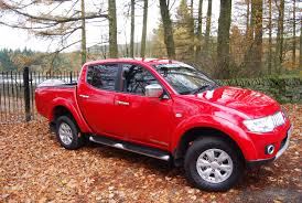 mitsubishi warrior l200 car picker red mitsubishi l200
