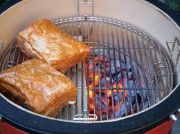 cuisiner coeur de porc travers de porc au barbecue recette travers de porc au kamado joe