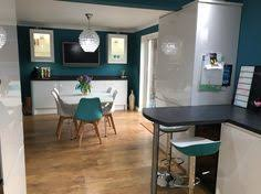 White Gloss Kitchen Ideas Howdens Clerkenwell Kitchen Round Black Extractor Fan Jade Pain