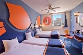 chambre disneyland explorers hotel at disneyland