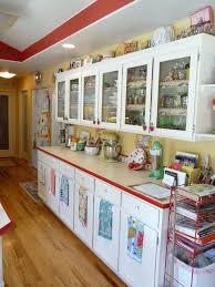 how to make an kitchen island retro kitchen 6 vintage kitchen kitchens and cottage kitchens