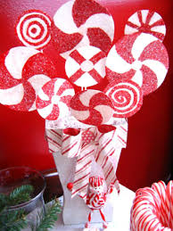 peppermint stripe christmas centerpiece easy crafts and homemade