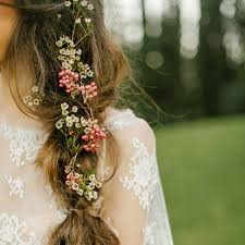 flower hair 5 wedding hair flower ideas brides