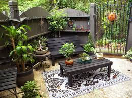 Decorating Small Backyards by Exquisite Small Backyard Patio Ideas Thementra Com