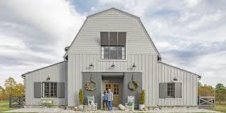 Modern Barn Modern Mississippi Barn Farmhouse Decorating Ideas