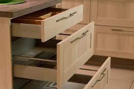cuisine tiroir tiroirs et coulissants pour cuisine équipée