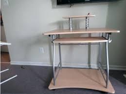 petit bureau d ordinateur bureau d ordi petit bureau dordinateur small computer desk bureau pc