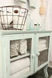 Painted Bathroom Cabinets by Best 25 Linen Cabinet Ideas On Pinterest Linen Storage Modern