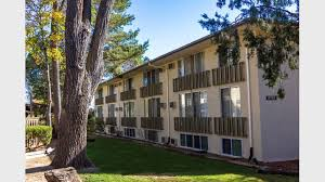 2 Bedroom Apartments In Colorado Springs by Oakridge On The Green Apartments For Rent In Colorado Springs Co