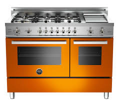 3 top kitchen designers their favorite stoves the daily basics pro48 6 gas ar