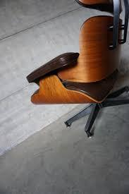 charles e sessel amerikanischer modell 670 lounge sessel aus nussholz aluminium