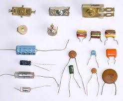 how many types of capacitors are available in the market and what