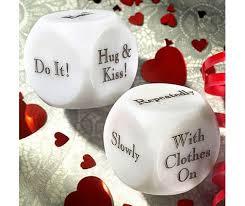 honeymoon shower gift ideas best 25 honeymoon basket ideas on honeymoon gift