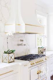 Backsplash Ideas With White Cabinets by Best 25 Gold Kitchen Ideas Only On Pinterest Marble Countertops