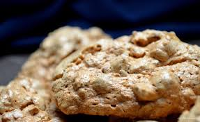 italian hazelnut almond meringues she loves biscotti